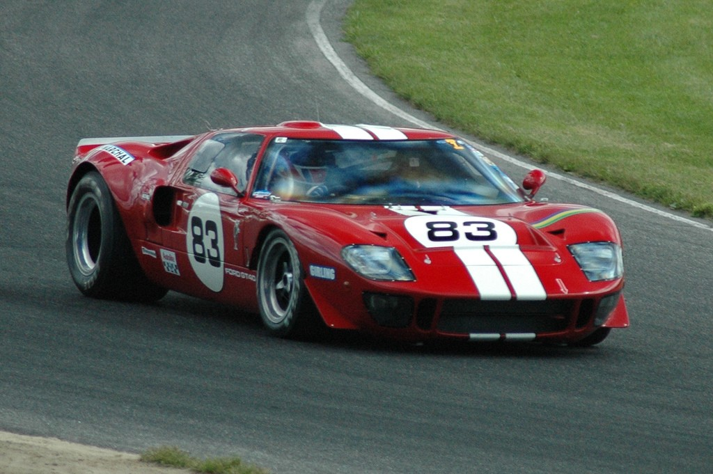 GT40P/1083 on the track