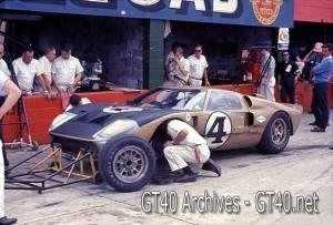 Foyt – Bucknum GT40 at Sebring 1966